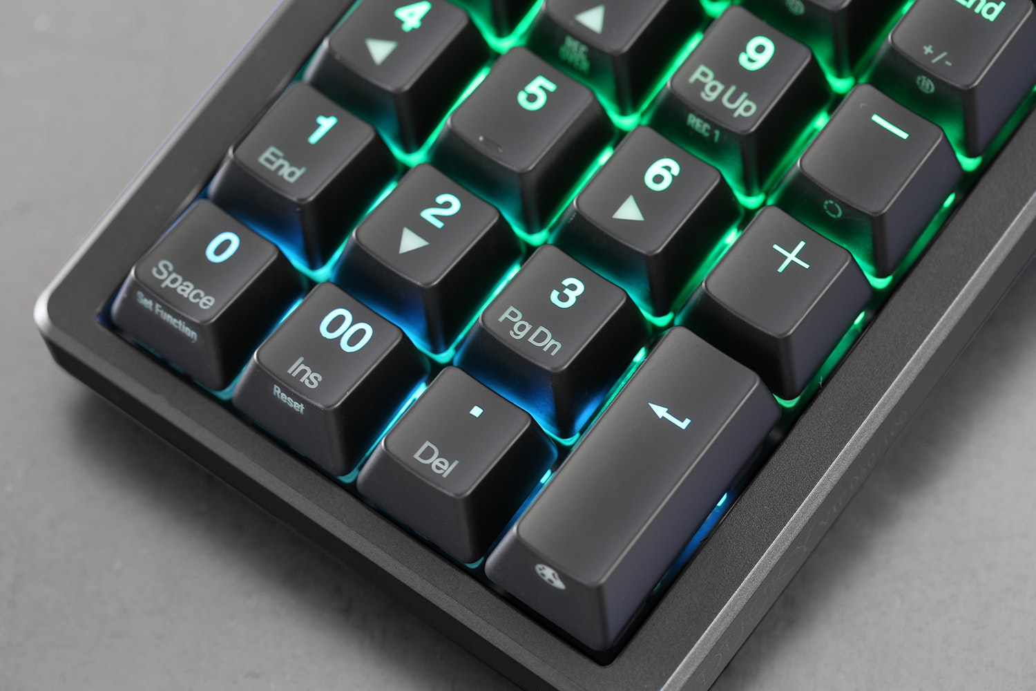 Ducky Pocket RGB Mechanical Numpad + Keychain