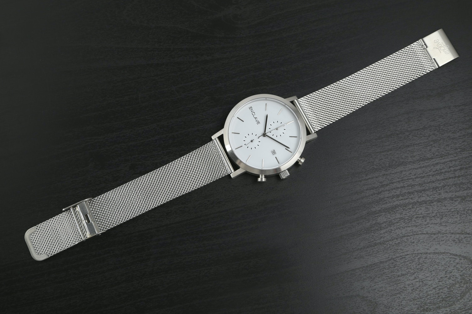 Silver Case with Mesh Strap