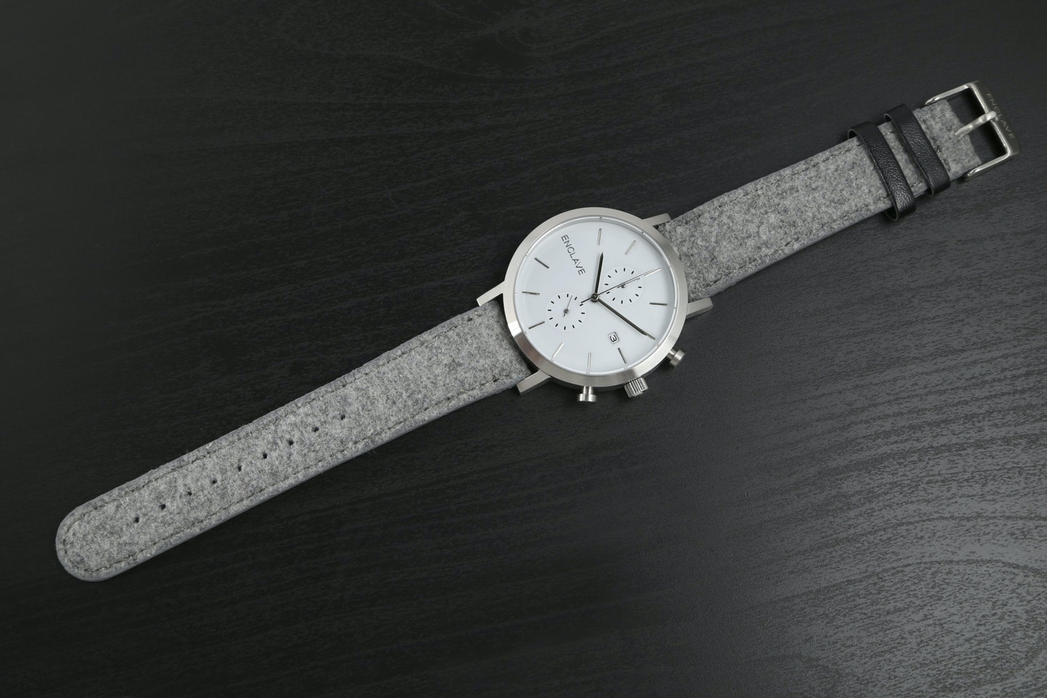 Silver Case with Gray Tweed Strap