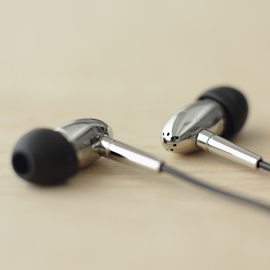 Final Audio Design FI-BA-SS IEM