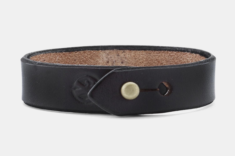 Leather Stud - Black Bridle