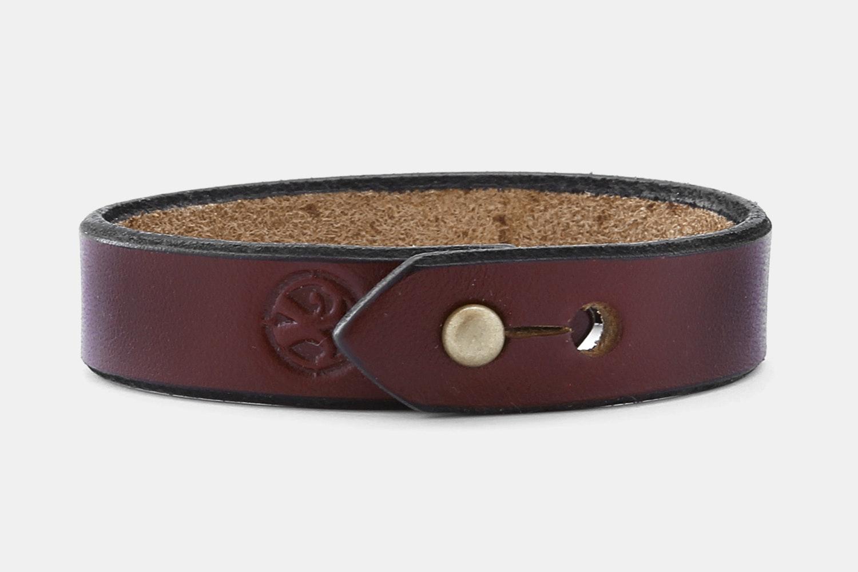 Leather Stud - Burgundy Bridle