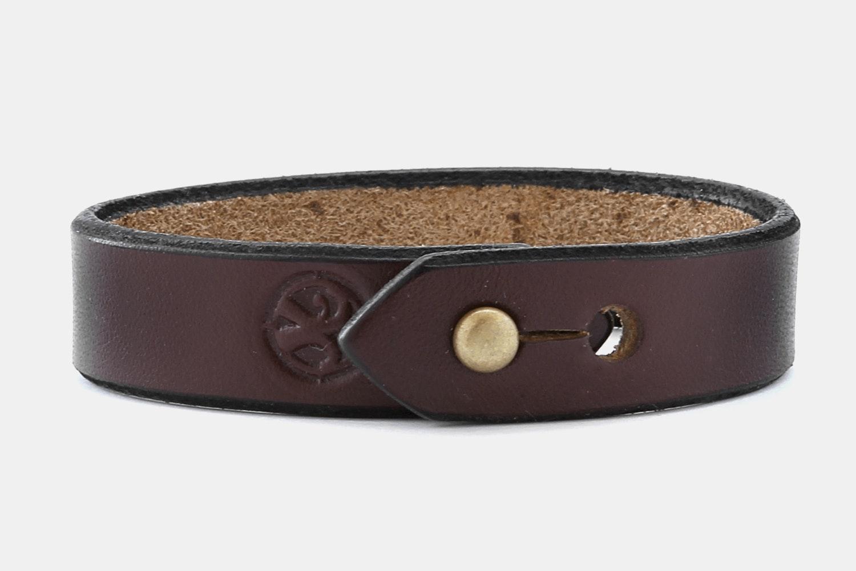 Leather Stud - Dark Brown Bridle