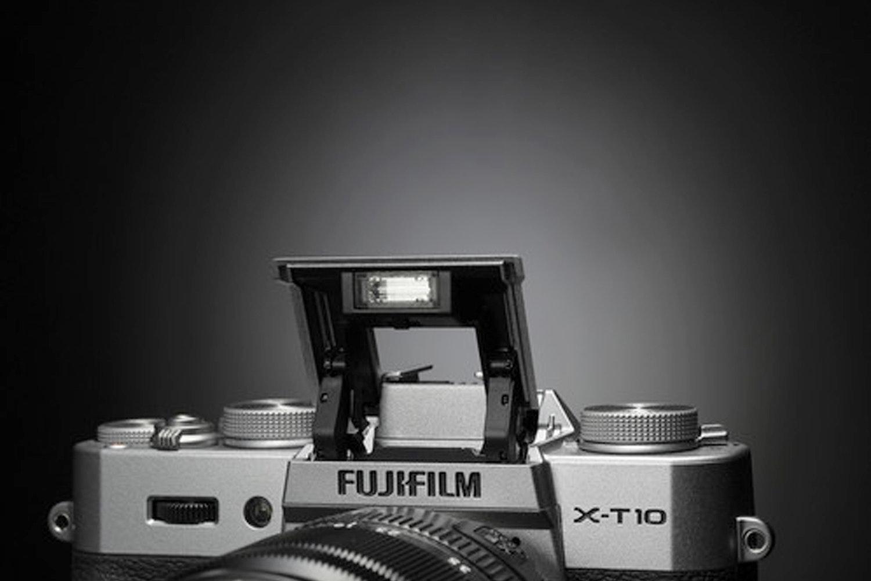 Fujifilm X-T10 Mirrorless Body with 18-55mm Lens