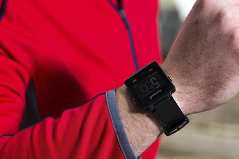 Garmin Vivoactive Smartwatch Bundle