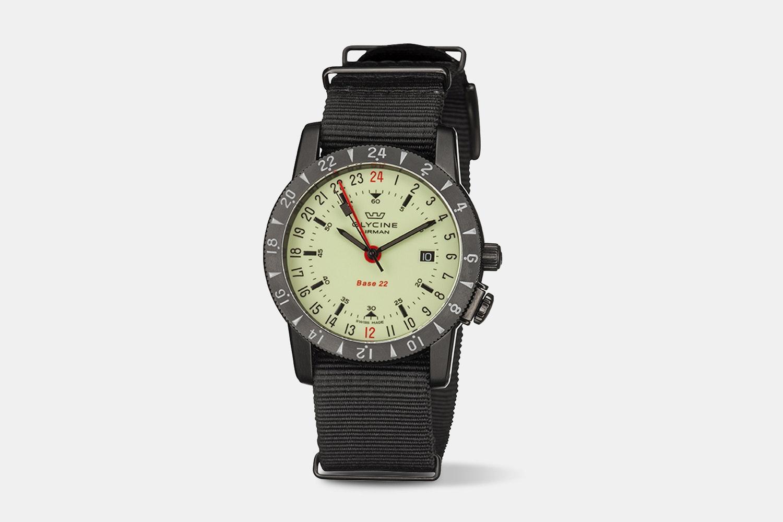 GL0213 Luminous | GMT