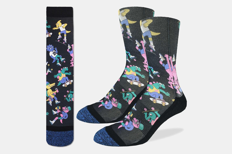 Dinosaurs Riding Skateboards Active Fit Socks