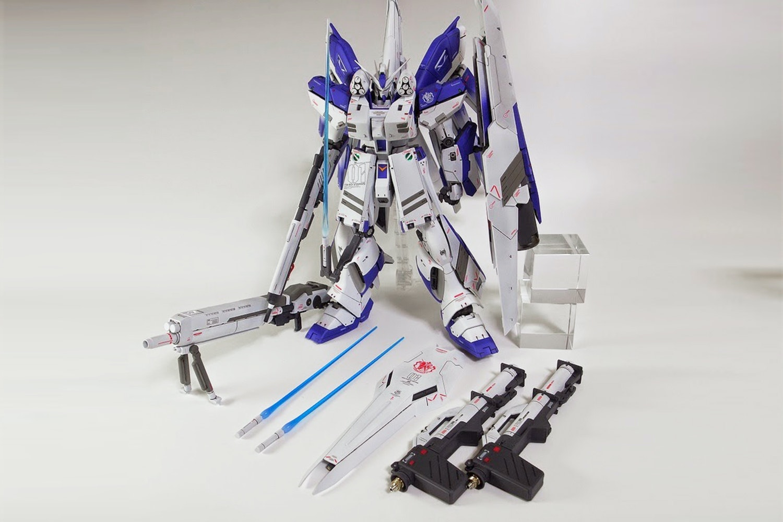 Gundam Hi-V Nu Master Grade 1/100th Scale