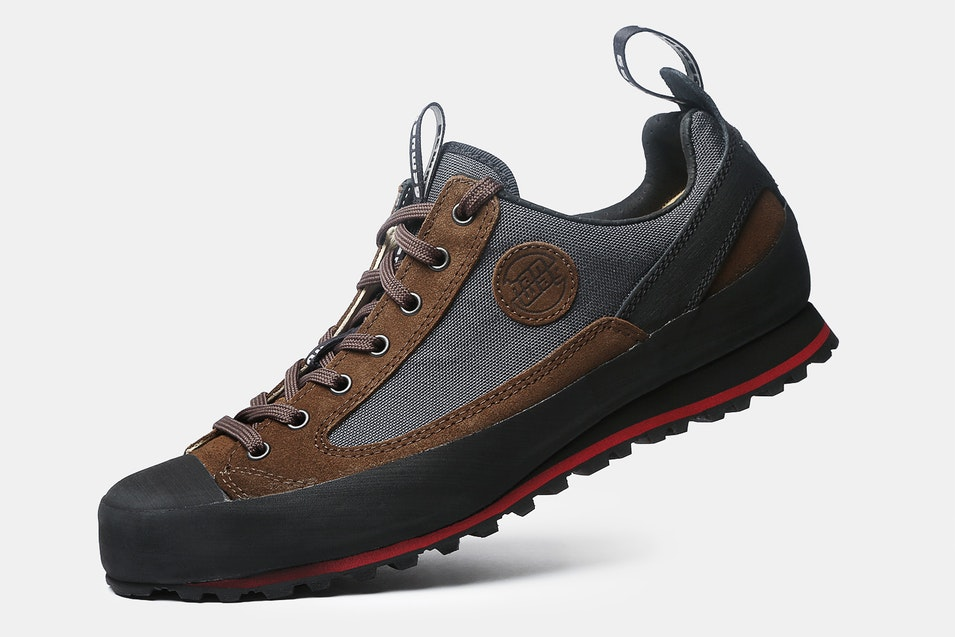 Brown Shoe Management Group Reviews