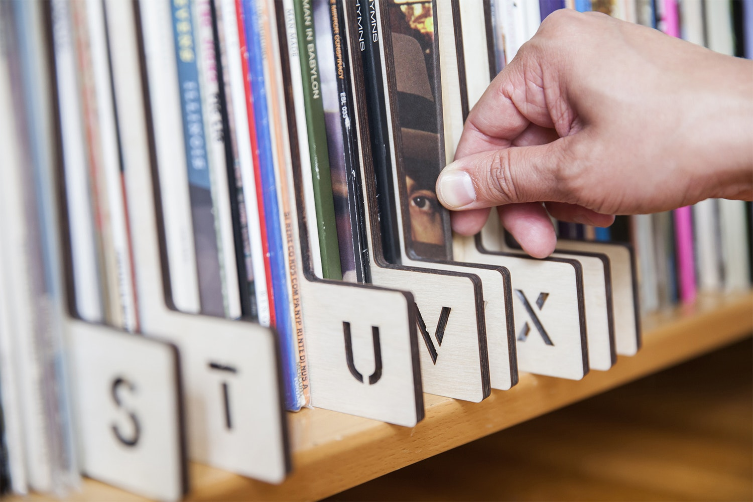 Horizontal A-Z Record Dividers