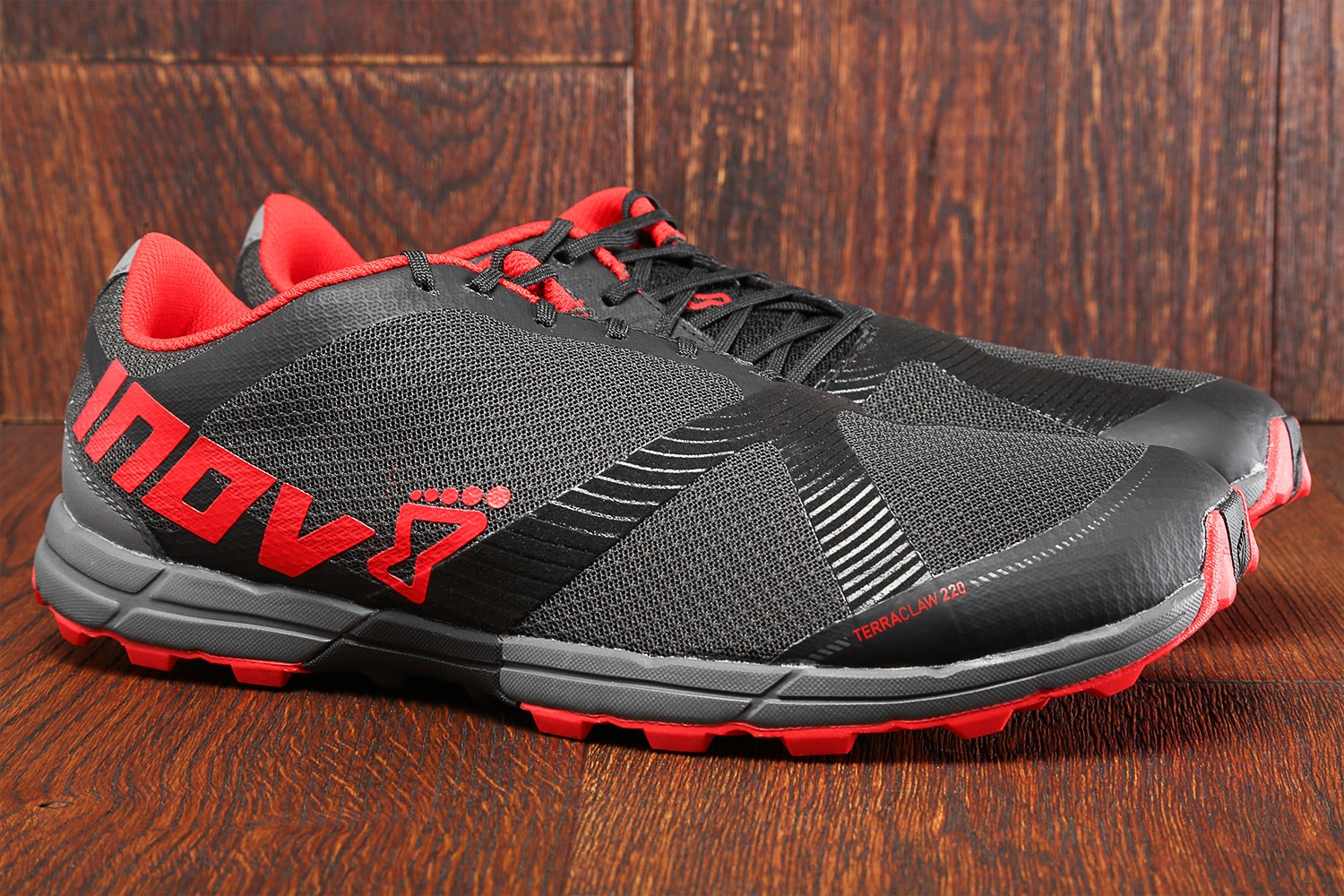 Inov-8 Terraclaw 220 Closeout