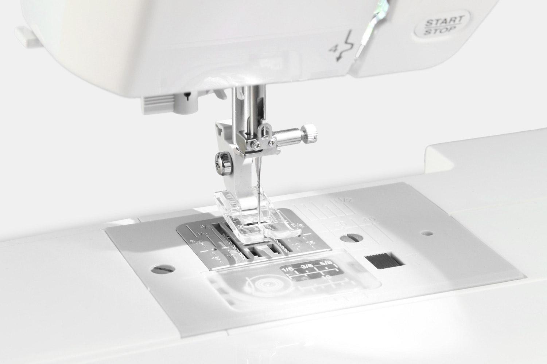 Janome 49018 Sewing Machine