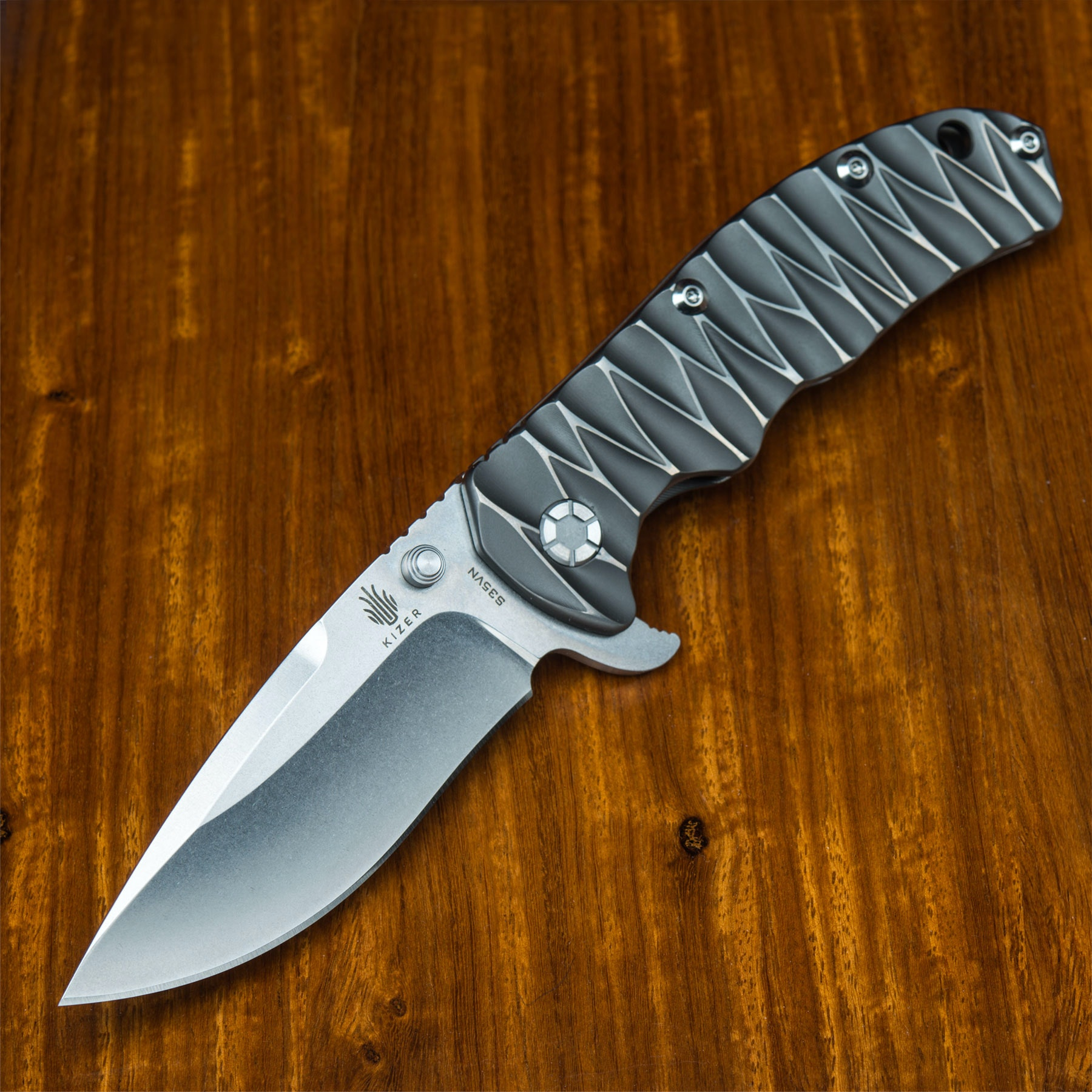 Kizer Ki401B1 Textured Titanium Folding Knife