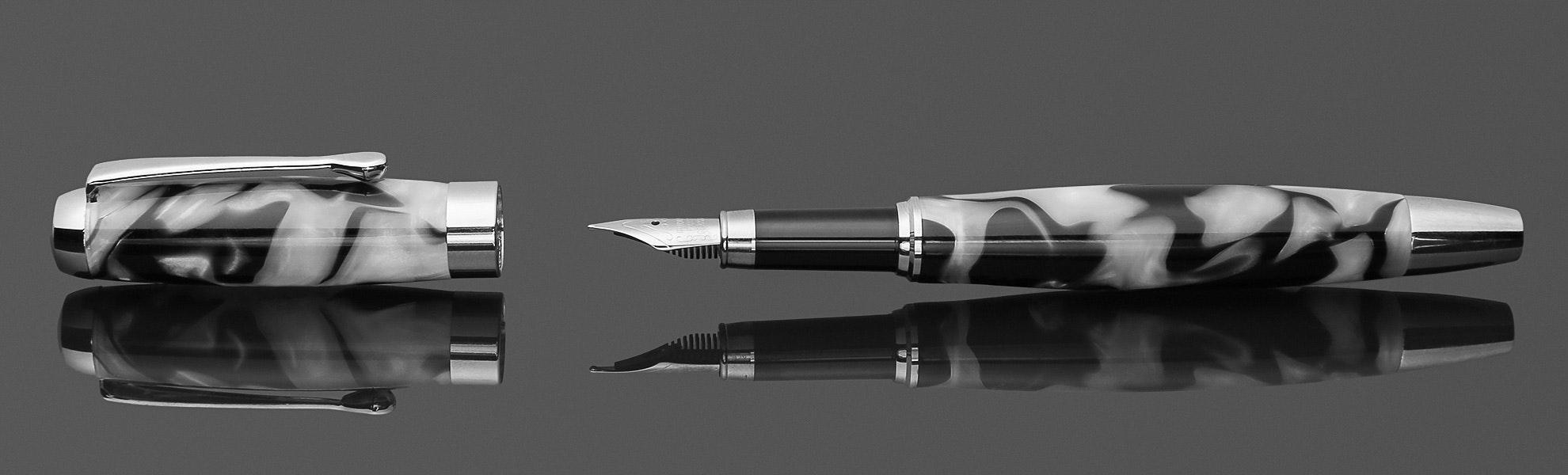 Lanier E420 Marbled Fountain Pen