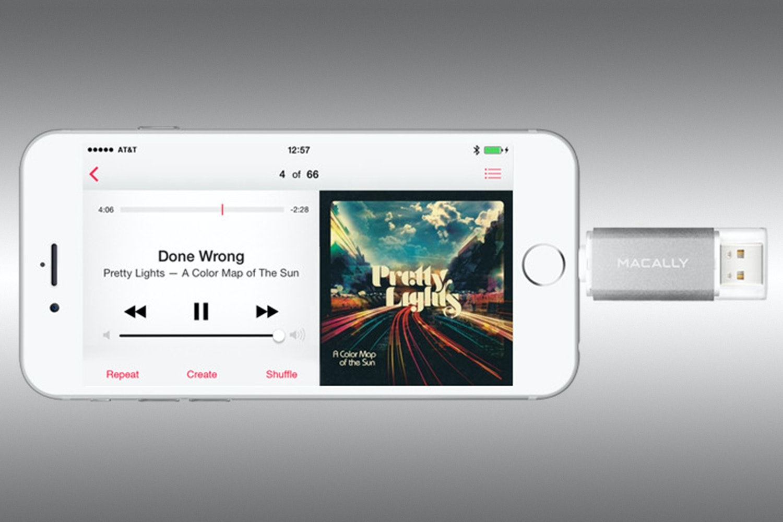 Macally 64GB Lightning/USB Flash Drive