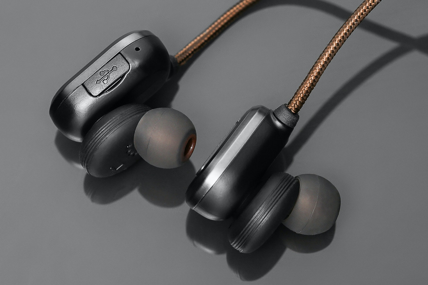 Macaw T1000 Wireless Earphones