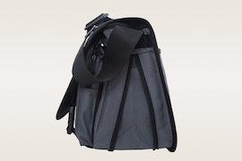 Back zipper and compartments, size medium