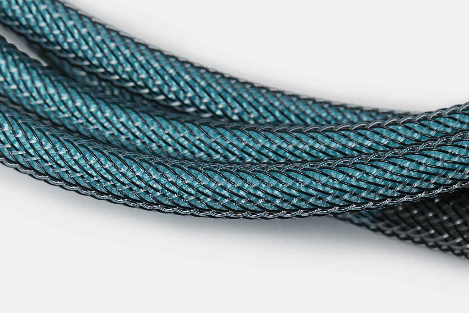 Mechcables Miami Dolch Custom-Sleeved USB Cable