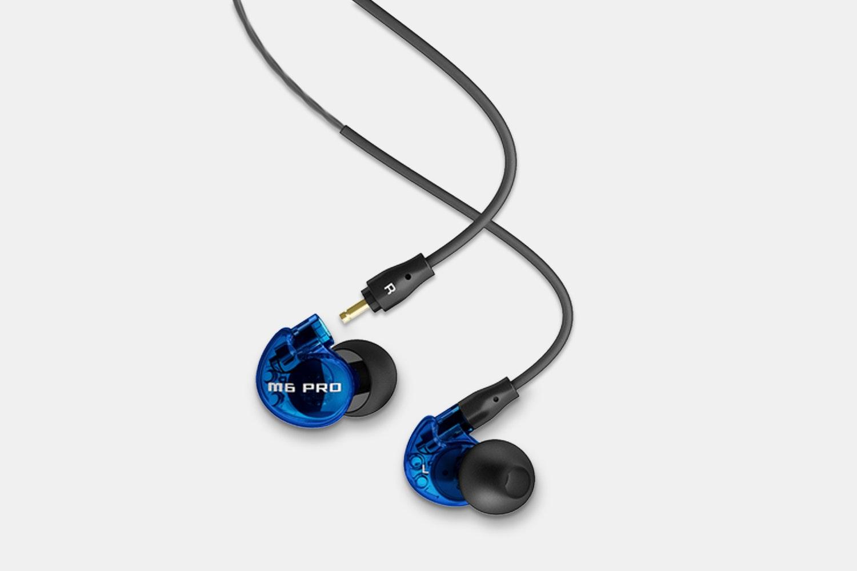 M6 Pro: Blue