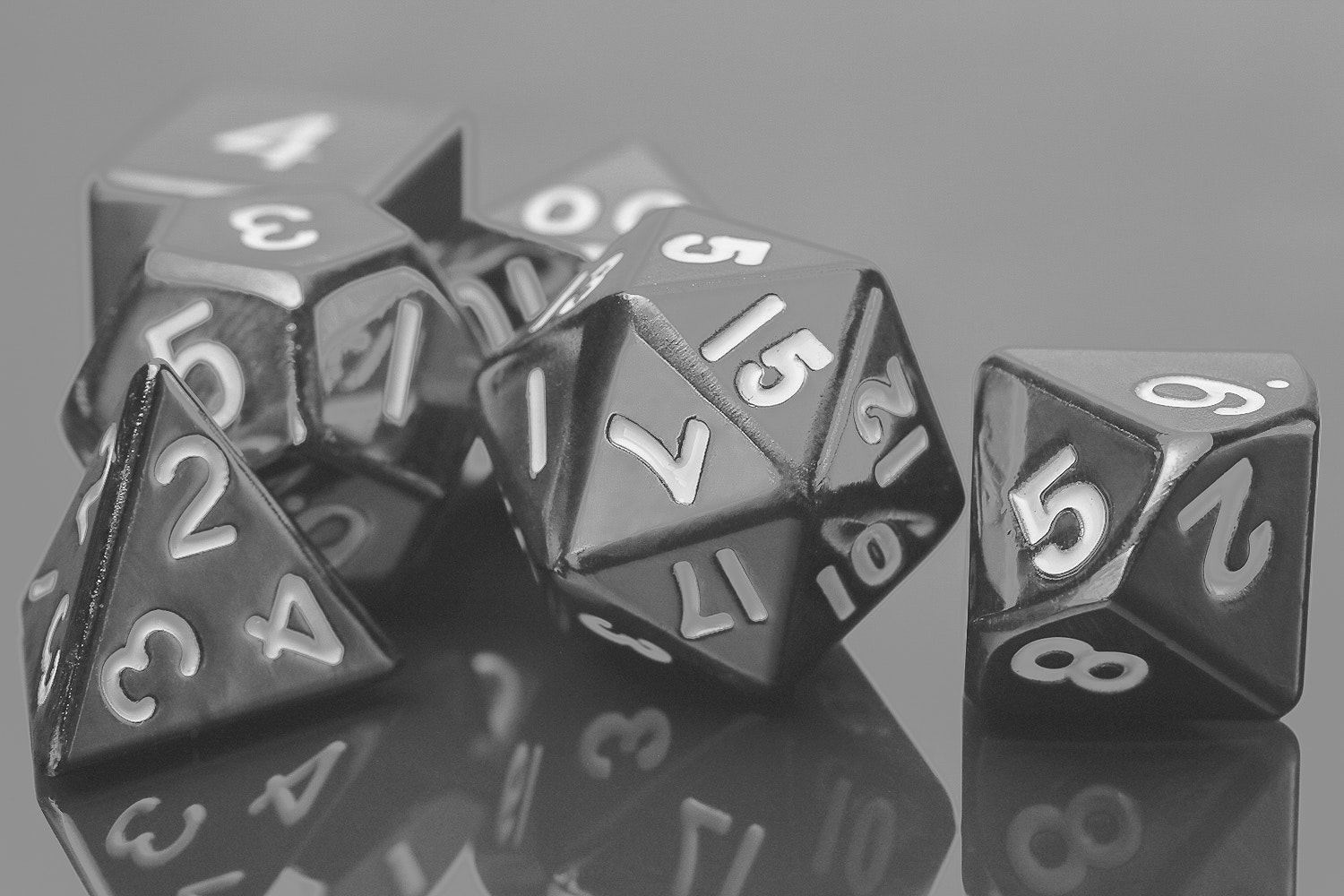 Metallic Dice Games 16mm Sterling Gray Dice Set