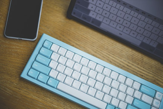 Morgrie RKB68 Bluetooth 65% Mechanical Keyboard