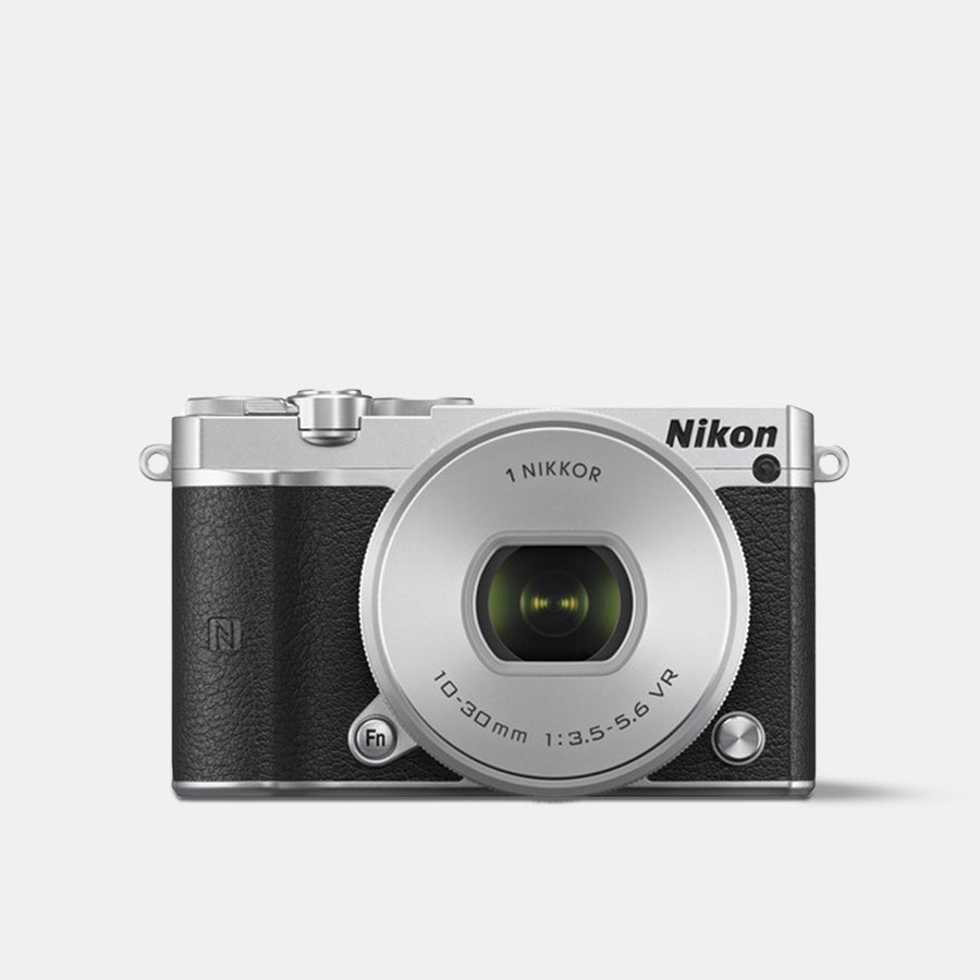 Nikon 1 J5 Mirrorless Camera w/ 10–30mm Lens