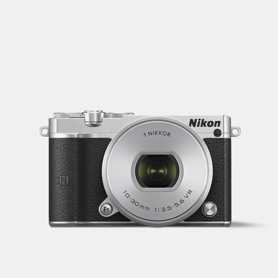 Nikon 1 J5 Mirrorless Camera w/ 10–30mm Lens
