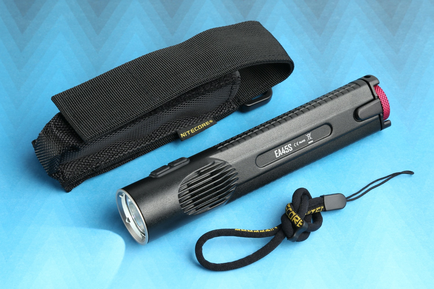 Nitecore EA45S: 4xAA 1,000-Lumen Flashlight