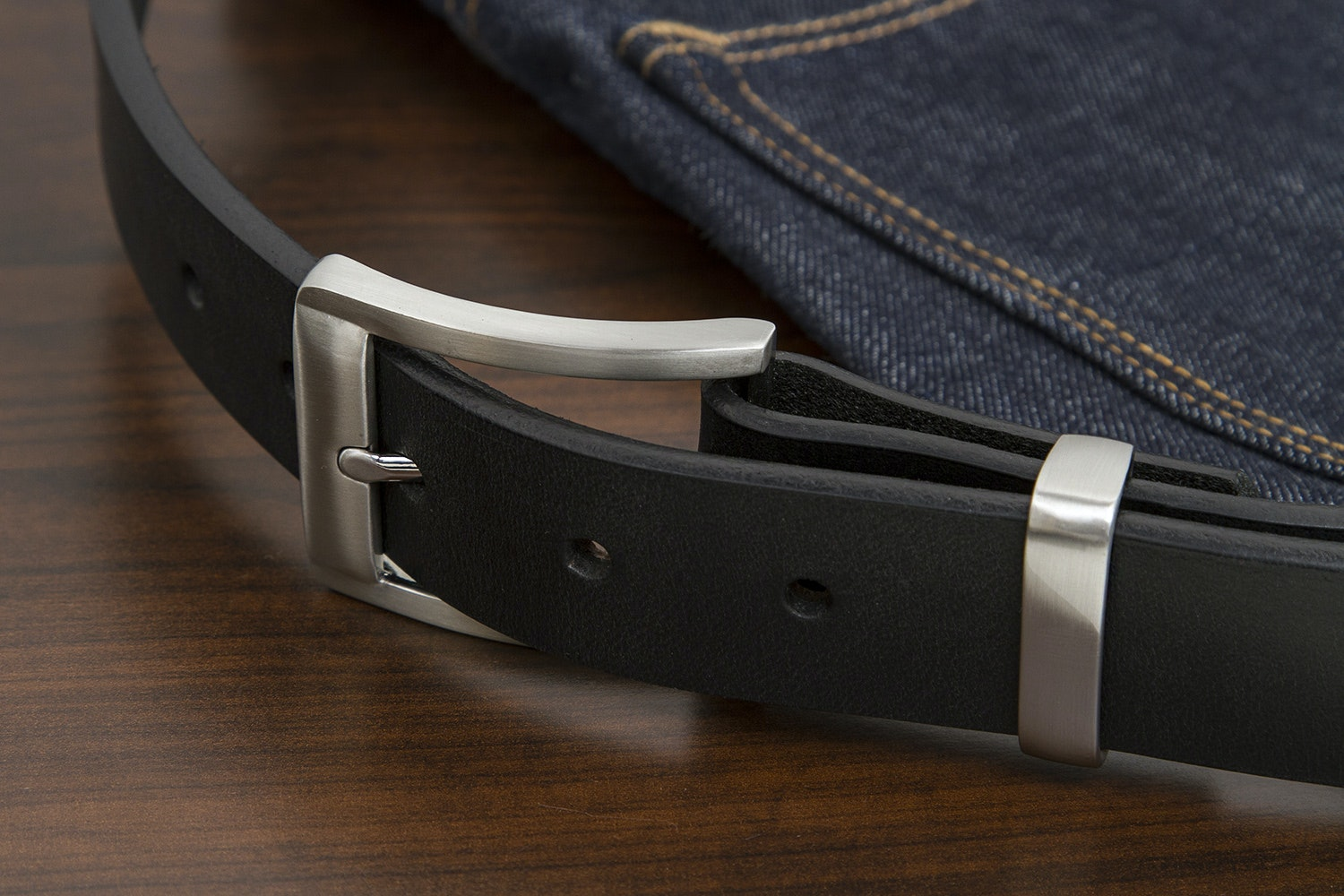 Orion Black Latigo Belt