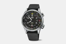 01 733 7705 4164-Set 5 23 15FC   Altimeter with Meter Scale (+ $50)