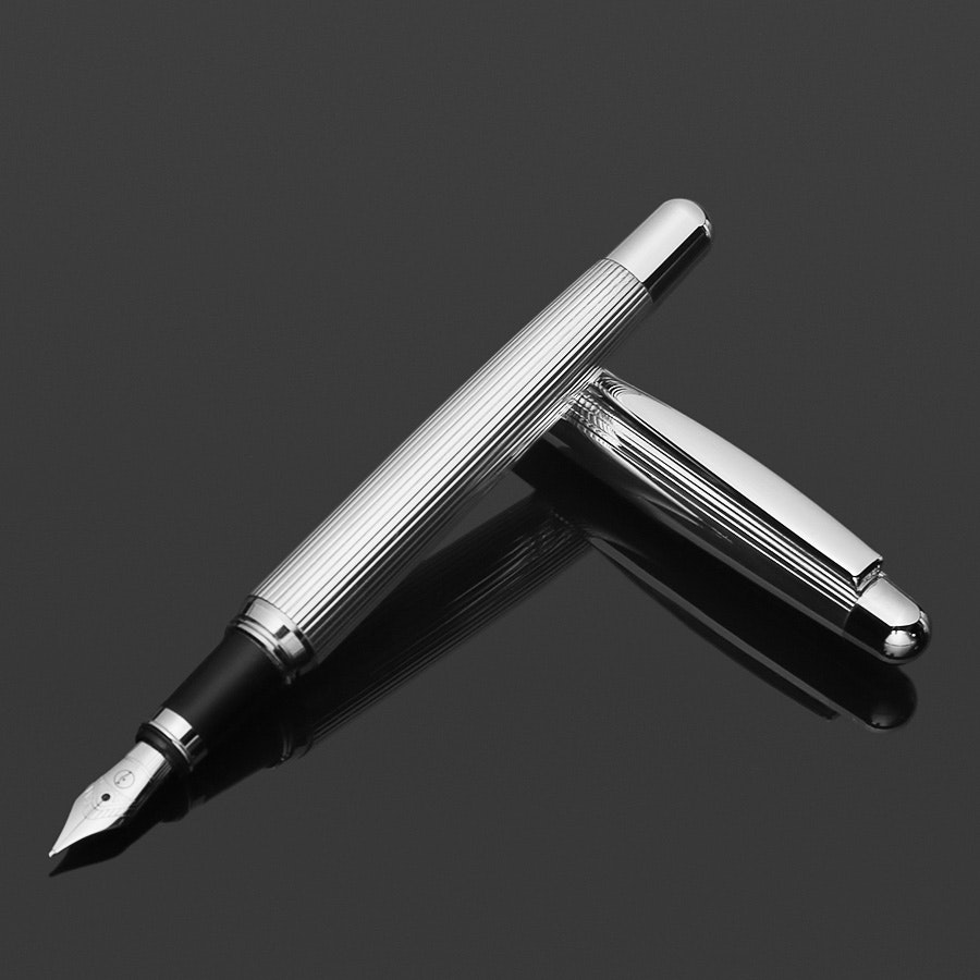 Otto Hutt Design 2 Pinstripe Fountain Pen