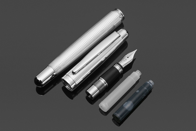 Otto Hutt Design 2 Pinstripe Fountain Pen