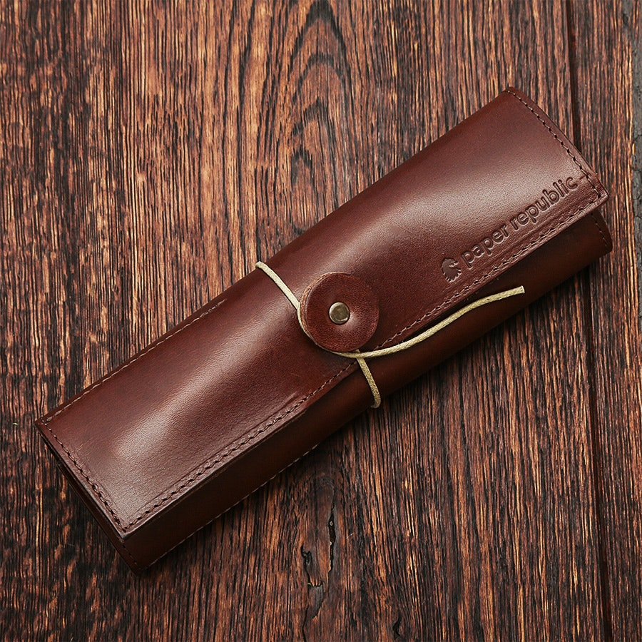 Paper Republic Le Porte-Plume Leather Pen Wrap