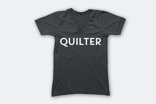 Quilter – Charcoal (V-Neck)