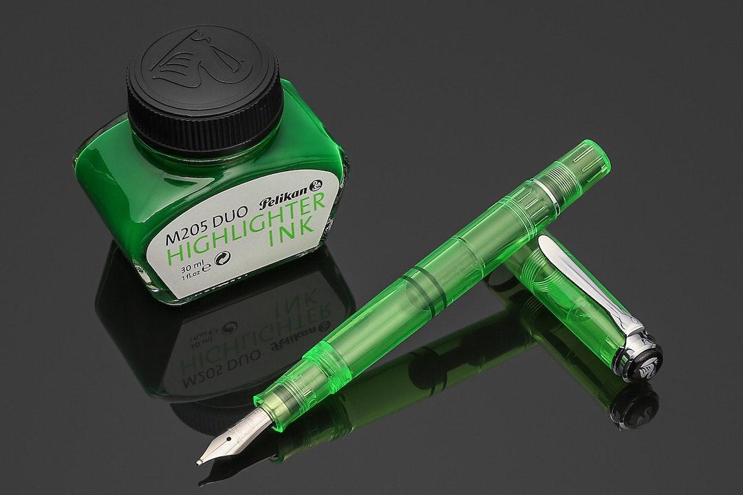Pelikan M205 DUO Shiny Green Highlighter