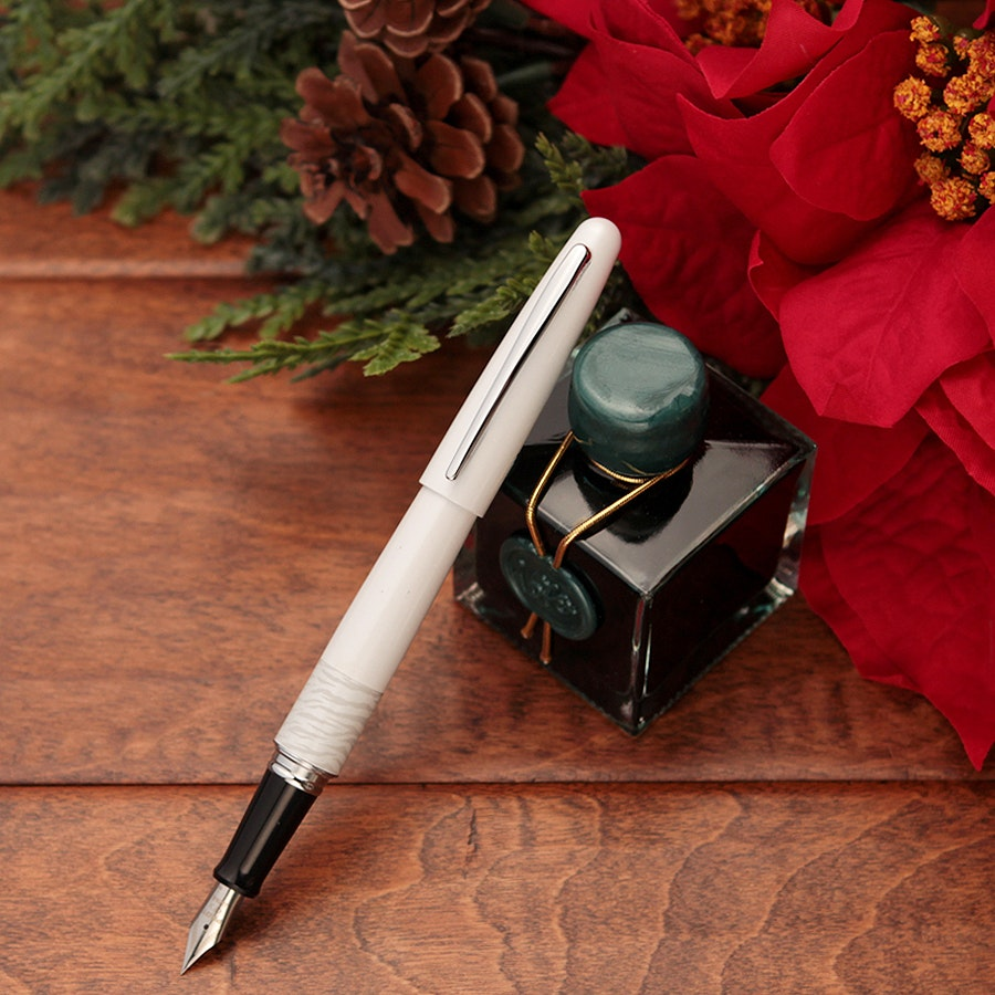 Pilot White Tiger & Emerald Holiday Bundle