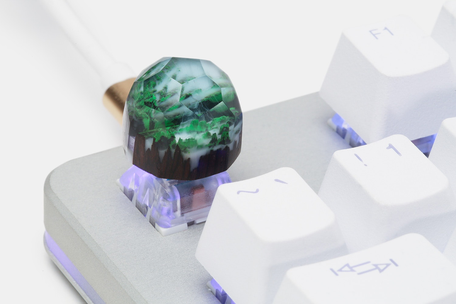 Polygonal Mini Iceland Wood & Resin Artisan Keycap