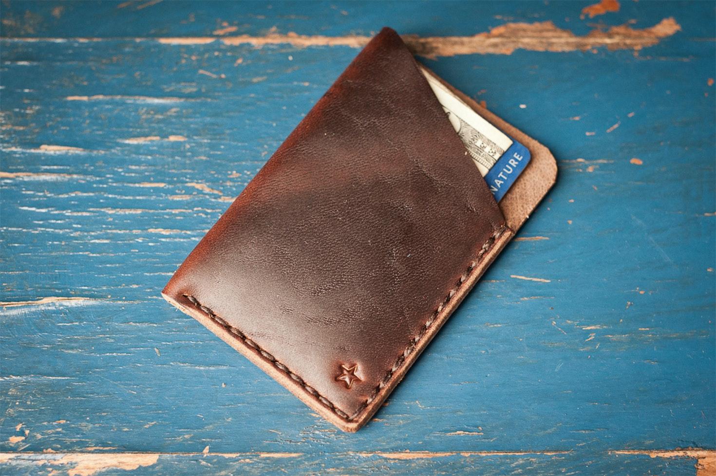 One Star Minimalist Leather Wallet