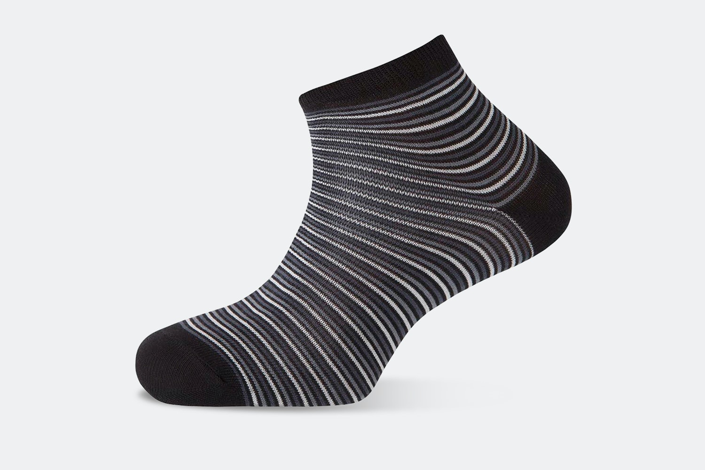 Narrow Stripes – Black #090