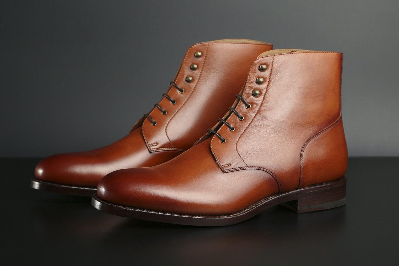 Cognac Calfskin / Leather Sole
