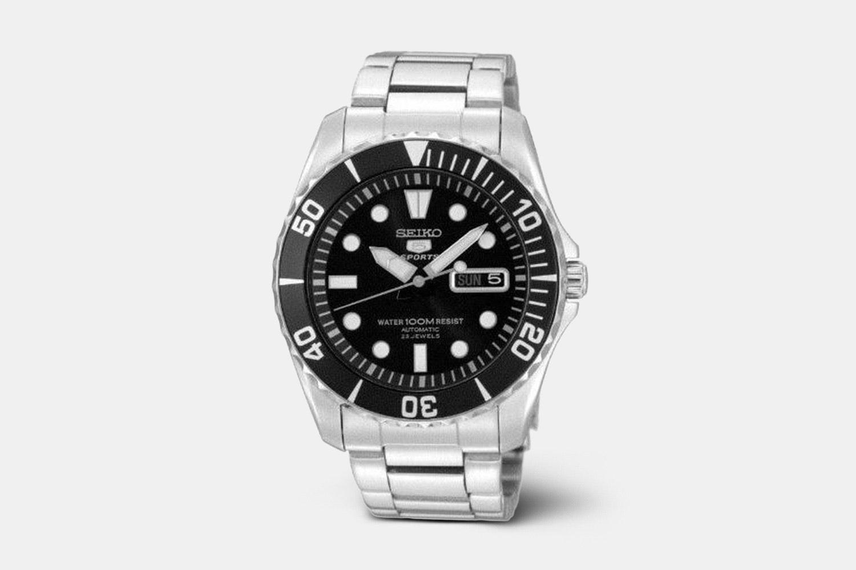 SNZF17K1 | Black Dial, Black Bezel, Stainless Steel Bracelet