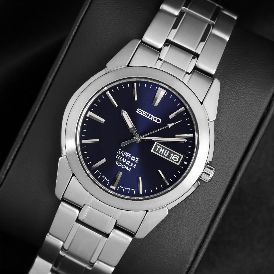 Seiko Titanium Quartz SGG Watch