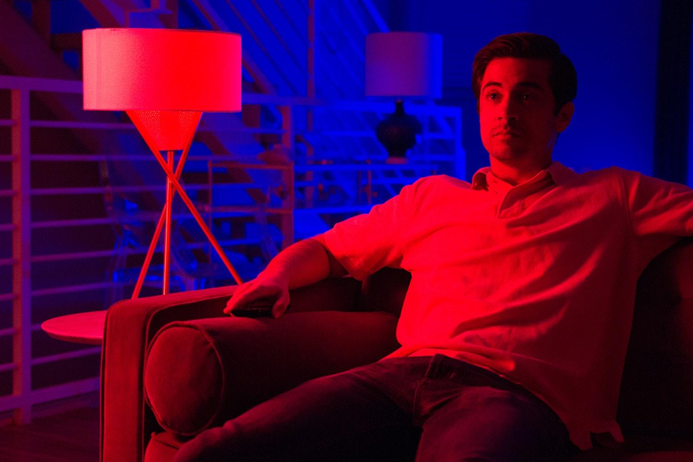 SmartFX Bluetooth or Wi-Fi LED RGB Smart Light Bulb