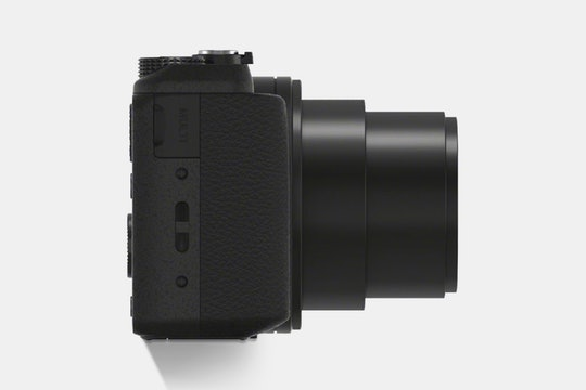 Sony HX60V 20.4MP Camera w30x Optical Zoom and GPS