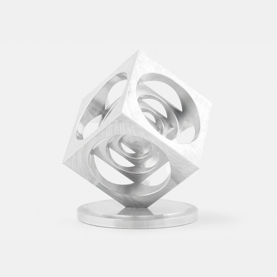 Spun Out Designs Turner's Cube Top Stand