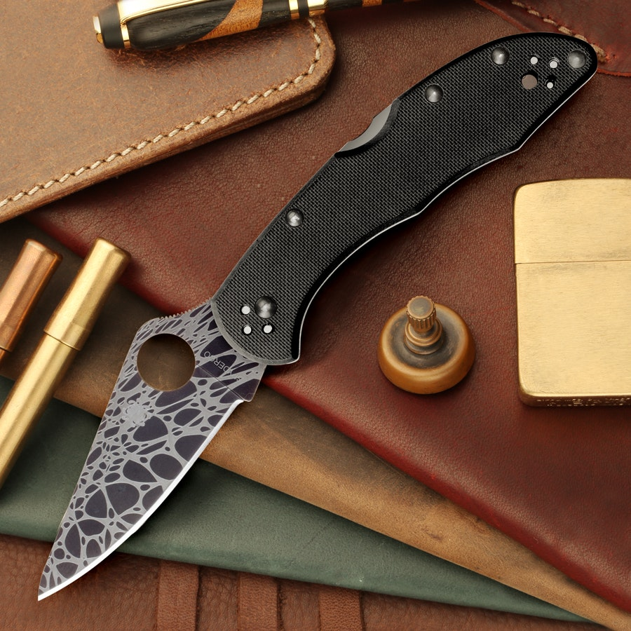 "Exclusive: Spyderco Delica G-10/ZDP-189 ""Blackout"""