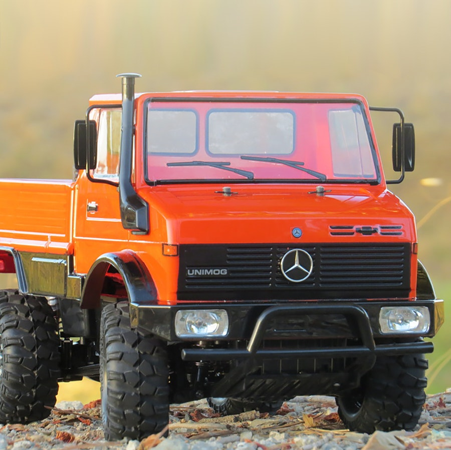 Tamiya 4x4 Mercedes-Benz Unimog 425 Kit