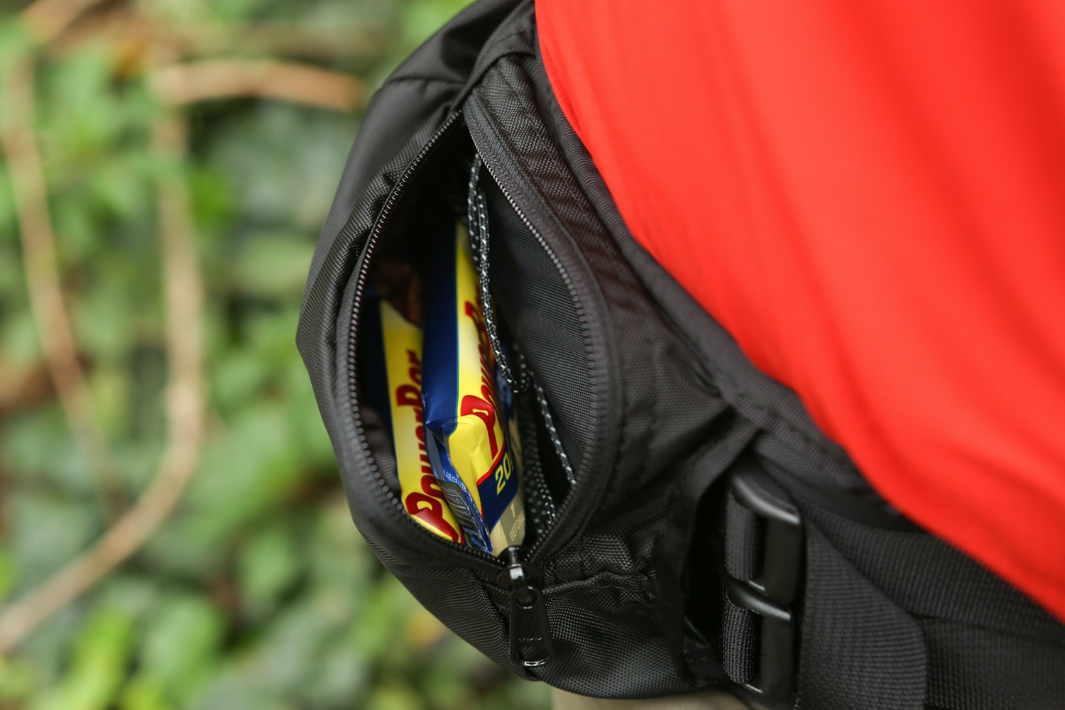 Large hipbelt pockets