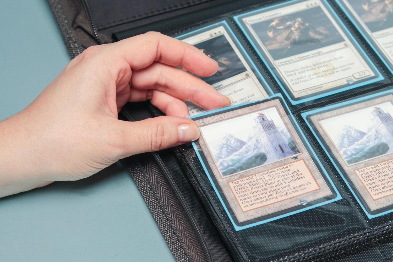 Ultimate Guard Xenoskin 8-Pocket Zipfolio (2-pack)