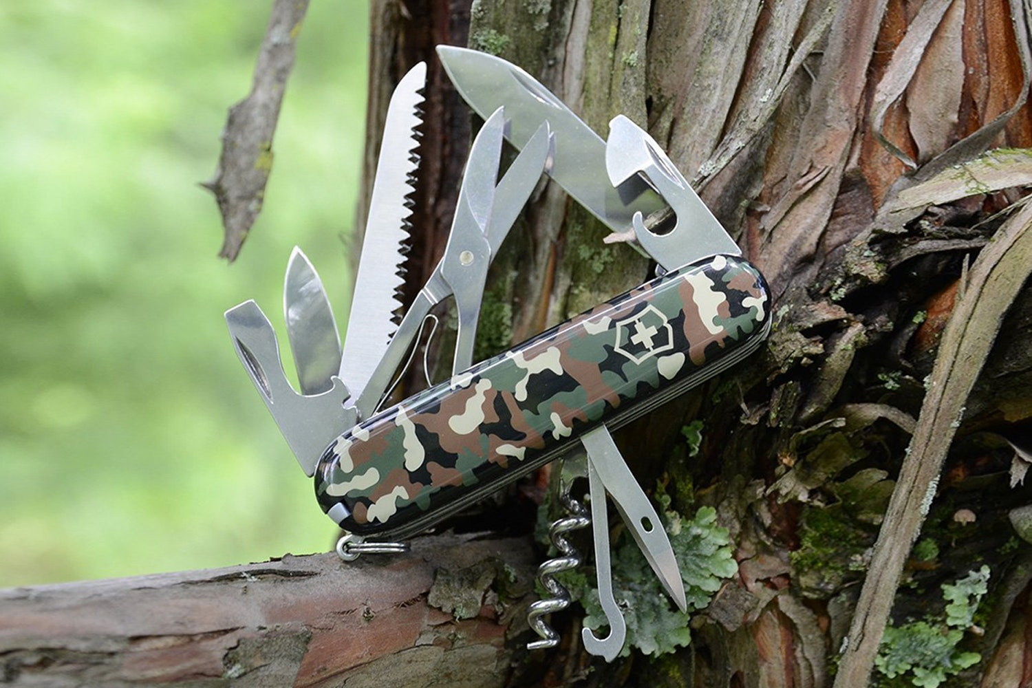 Victorinox Swiss Army Knife: 3.6-Inch Huntsman